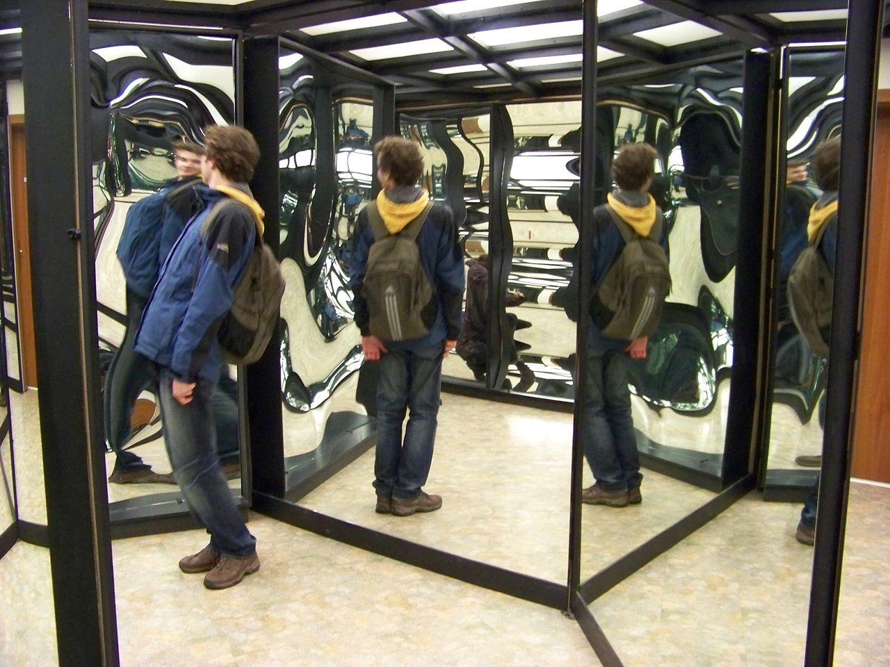 1280px-vetruse_zrcadlove_bludiste